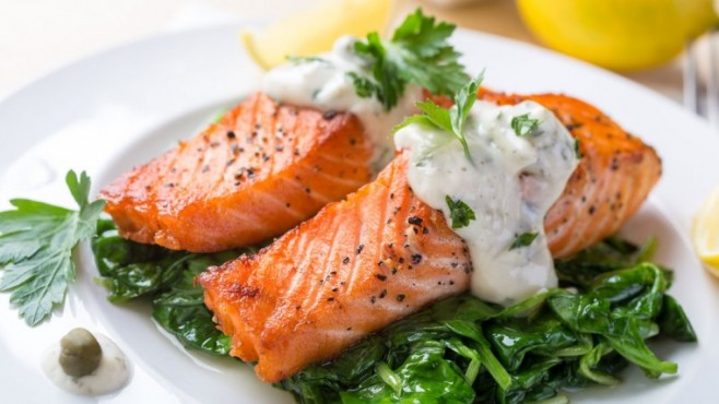 Grilled-Salmon-With-Sauteed-Spinach1-760x428