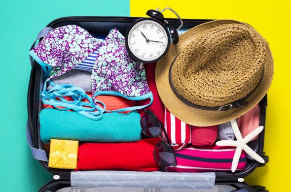 Trendy tašky na cesty a seznam, díky kterému si letos kartáček nezapomenete!