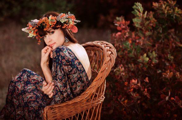 Listopadová romance – móda plná květin a ženskosti