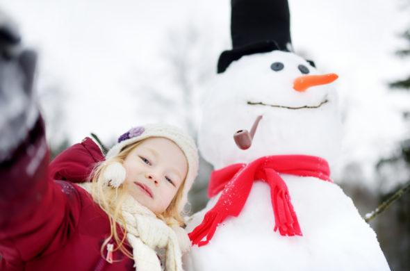 Jak být chic maminka i při stavění sněhuláka s dětmi