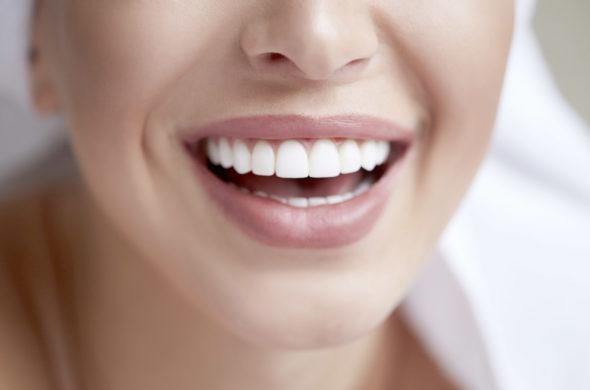 Známe nejmodernější způsob péče o zuby a dásně!